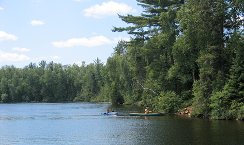Crescent-Lake-kayakers